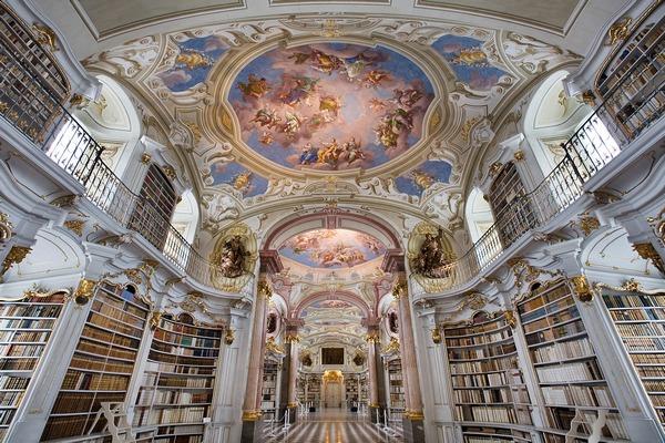 Biblioteca bloggerului român